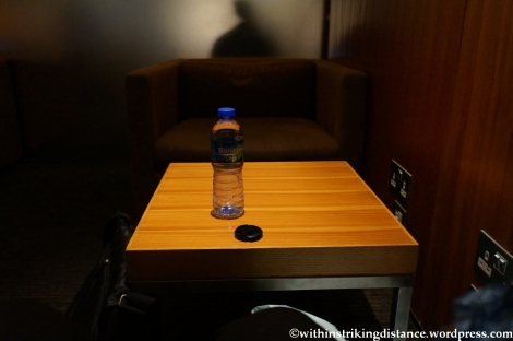 16Apr13 CX Pier Lounge HKG 003