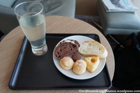 16Apr13 JAL Sakura Lounge HND 007