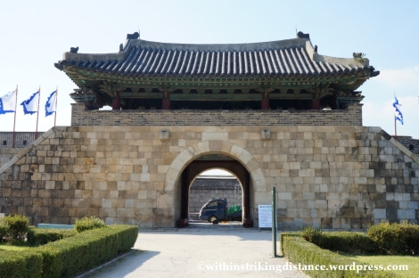 14Oct13 Hwaseomun Hwaseong Fortress Suwon South Korea 016