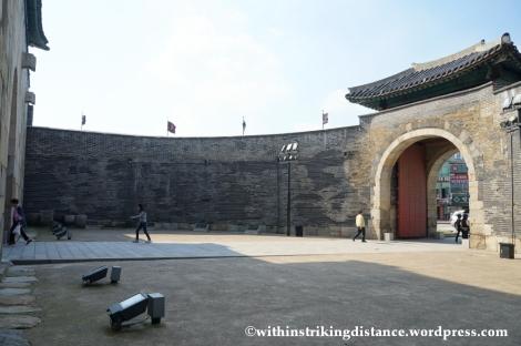 14Oct13 Janganmun Hwaseong Fortress Suwon South Korea 007