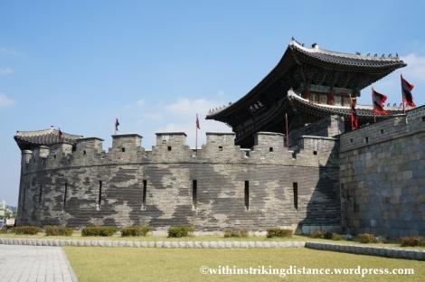 14Oct13 Janganmun Hwaseong Fortress Suwon South Korea 009