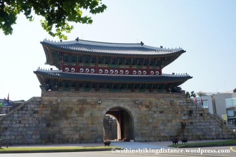 14Oct13 Paldalmun Hwaseong Fortress Suwon South Korea 002