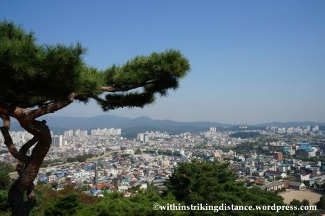 14Oct13 Seojangdae Paldalsan Wall Hwaseong Fortress Suwon South Korea 019