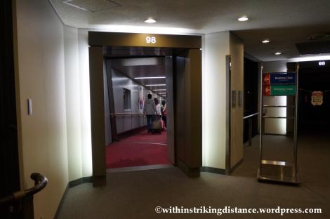 15Feb14 Narita Airport Aerobridge PR 429 NRT MNL 001