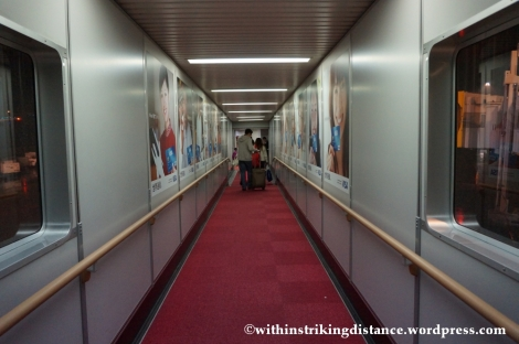 15Feb14 Narita Airport Aerobridge PR 429 NRT MNL 002