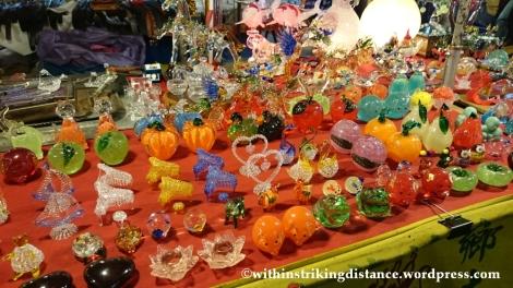 06Nov14 Raohe Street Night Market Taipei Taiwan 024