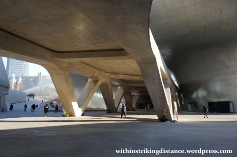 13Dec14 001 South Korea Seoul Dongdaemun Design Plaza