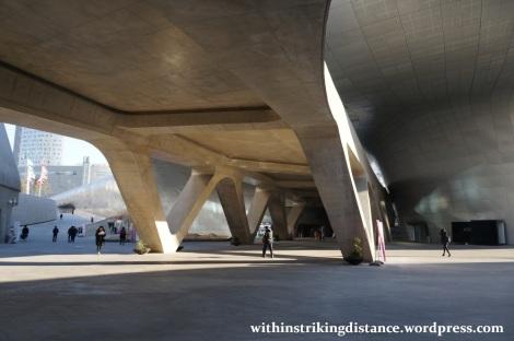 13Dec14 001 South Korea Seoul Dongdaemun Design Plaza