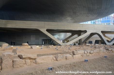13Dec14 003 South Korea Seoul Dongdaemun Design Plaza