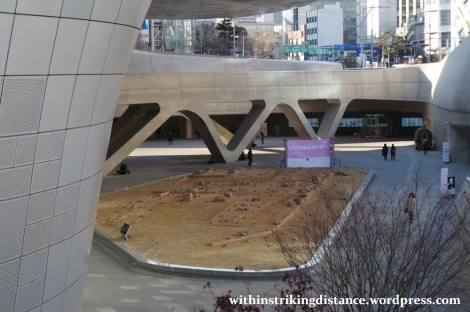13Dec14 007 South Korea Seoul Dongdaemun Design Plaza