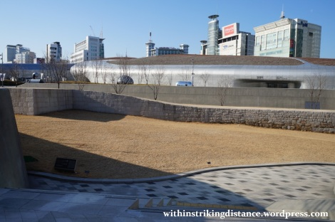 13Dec14 010 South Korea Seoul Dongdaemun Design Plaza Fortress Wall