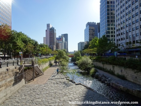 29Sep15 001 South Korea Seoul Cheonggyecheon