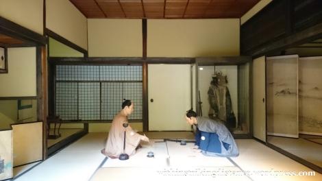 07jul15-005-japan-honshu-shimane-matsue-shiomi-nawate-street-former-samurai-district-houses