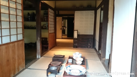 07jul15-009-japan-honshu-shimane-matsue-shiomi-nawate-street-former-samurai-district-houses