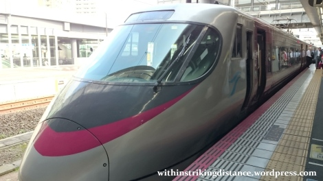 10jul15-001-japan-railways-jr-shikoku-8000-series-emu-train