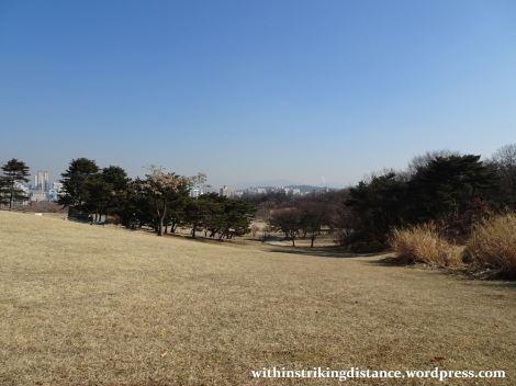 07feb16-004-south-korea-seoul-olympic-park-mongchontoseong