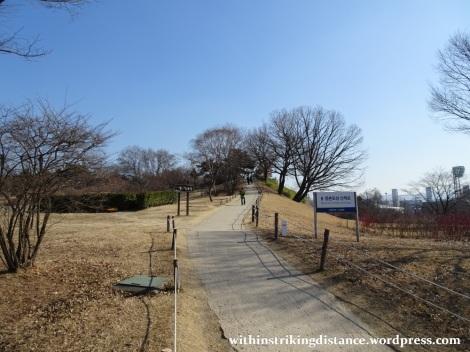 07feb16-007-south-korea-seoul-olympic-park-mongchontoseong