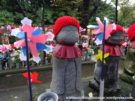 11nov16-004-japan-kanto-tokyo-zojoji-temple-jizo-statues