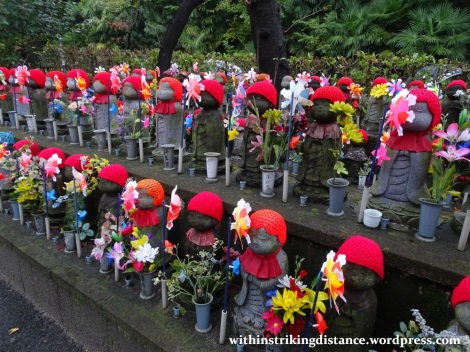 11nov16-005-japan-kanto-tokyo-zojoji-temple-jizo-statues
