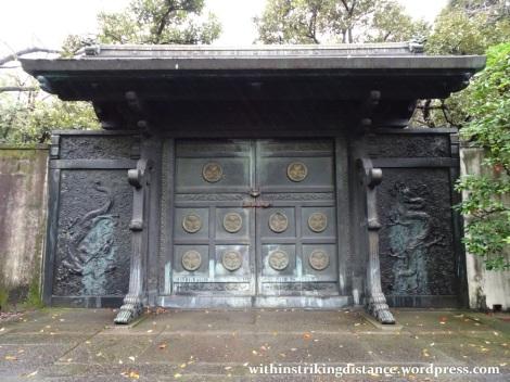 11nov16-011-japan-kanto-tokyo-zojoji-temple-tokugawa-shogun-mausoleum-tombs-gate
